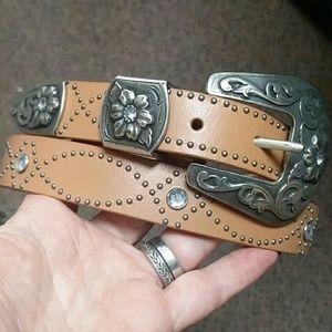 Nine west bonded leather tan studded belt buckle
